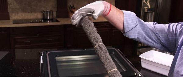 oven clean between glass